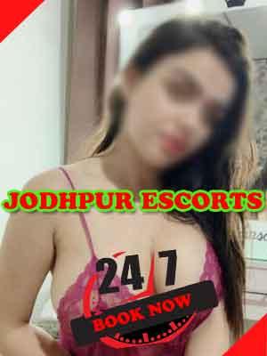 model-jodhpur